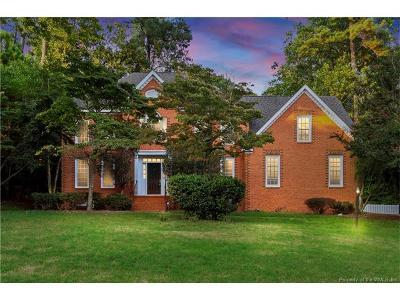 Williamsburg Single Family Home For Sale: 104 Captaine Graves