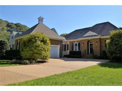 Williamsburg Single Family Home For Sale: 104 Country Club Drive