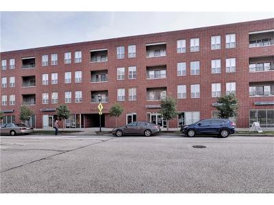 Newport News Condo/Townhouse For Sale: 230 Nat Turner Boulevard #4009