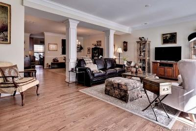 Hampton County, Isle Of Wight County, James City County, New Kent County, Suffolk County, Surry County, Williamsburg County, York County Condo/Townhouse For Sale: 4325 Lydias Drive #4325
