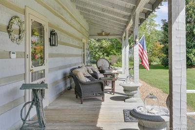Single Family Home For Sale: 3118 Henry Hogge Lane