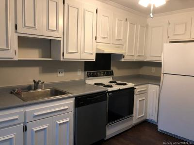 Williamsburg Single Family Home For Sale: 28 Spring East