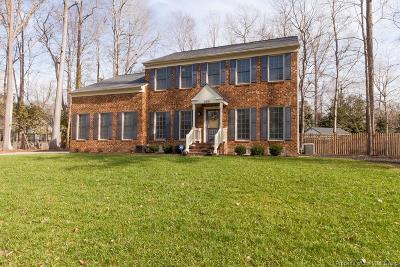Newport News Single Family Home For Sale: 304 Woodbrook Run