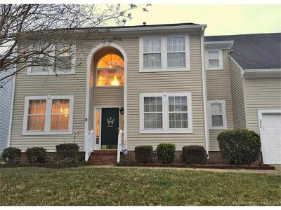Newport News Single Family Home For Sale: 220 Woodburne Lane