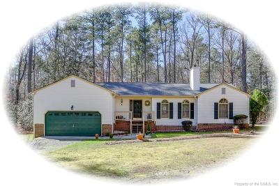 Gloucester Single Family Home For Sale: 8234 Manor Drive