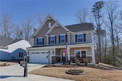 Single Family Home For Sale: 504 Caroline Circle