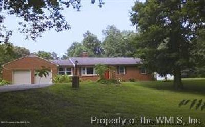 Williamsburg VA Single Family Home For Sale: $229,900