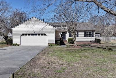 Single Family Home For Sale: 129 Sand Hill Road