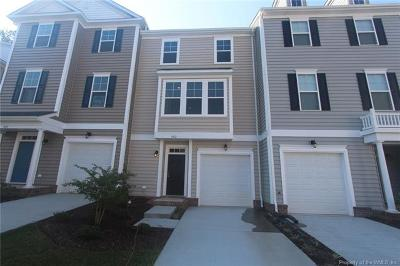 Hampton County, Isle Of Wight County, James City County, New Kent County, Suffolk County, Surry County, Williamsburg County, York County Condo/Townhouse For Sale: 804 Prosperity #43