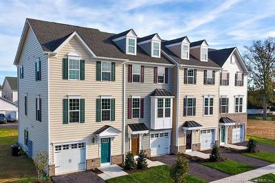 Williamsburg VA Condo/Townhouse For Sale: $259,990