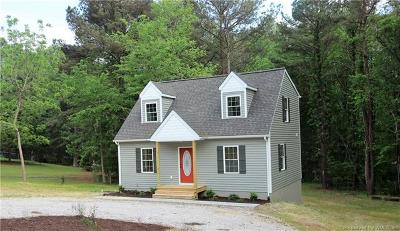 Gloucester Single Family Home For Sale: 6386 Meadow Drive