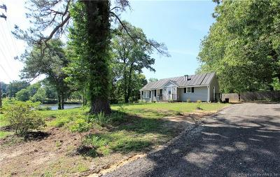 Gloucester Single Family Home For Sale: 7838 On The Pond Lane