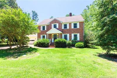 Single Family Home For Sale: 105 Greenbrier