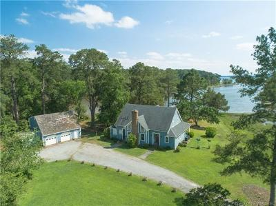 Single Family Home For Sale: 2947 North River Road
