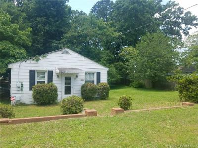 Single Family Home For Sale: 125 Carriage Road