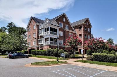 Hampton County, Isle Of Wight County, James City County, New Kent County, Suffolk County, Surry County, Williamsburg County, York County Condo/Townhouse For Sale: 1203 Eaglescliffe #1203
