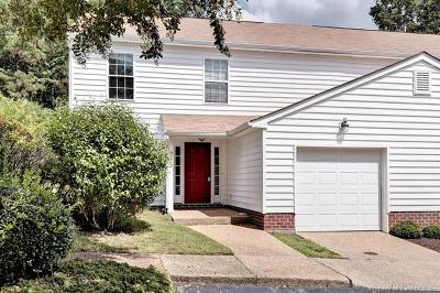 Hampton County, Isle Of Wight County, James City County, New Kent County, Suffolk County, Surry County, Williamsburg County, York County Condo/Townhouse For Sale: 5302 Tower Hill