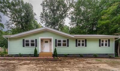 Gloucester Single Family Home For Sale: 8242 Dutton Road