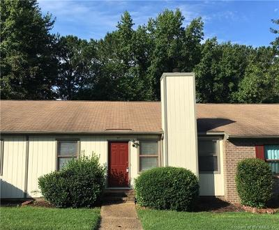 Single Family Home For Sale: 57 James Square