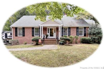 Williamsburg Single Family Home For Sale: 110 Bowstring Drive
