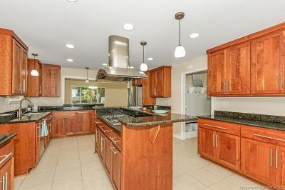 York County Single Family Home For Sale: 605 York Warwick Drive