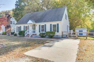 York County Single Family Home For Sale: 110 Cavalier Drive