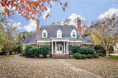 Holly Hills, Yorkshire Single Family Home For Sale: 216 Sir Thomas Lunsford Drive