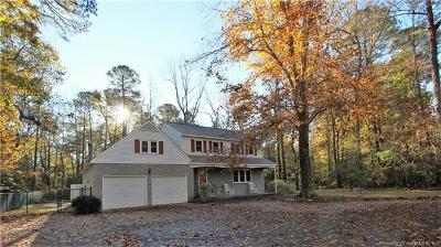 Gloucester Single Family Home For Sale: 7697 Roaring Springs Road