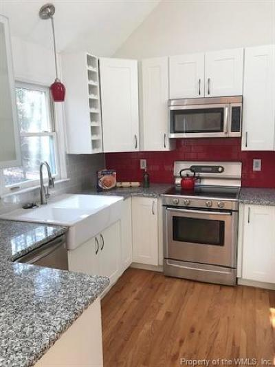 Williamsburg Single Family Home For Sale: 104 Whistle Walk