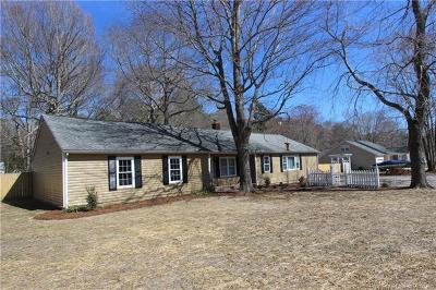 Gloucester Single Family Home For Sale: 7181 Hopkins Circle
