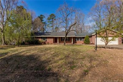 Single Family Home For Sale: 156 Indian Circle