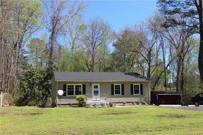 Gloucester Single Family Home For Sale: 5273 Paige Road
