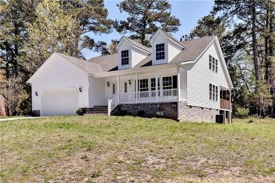 Charles City County, Isle Of Wight County, James City County, Surry County, York County Single Family Home For Sale: 105 Leon Drive