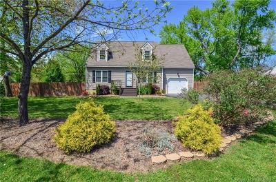 Single Family Home For Sale: 504 Custis Drive