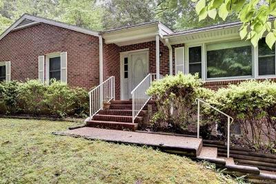 Williamsburg Single Family Home For Sale: 105 Saxon Road