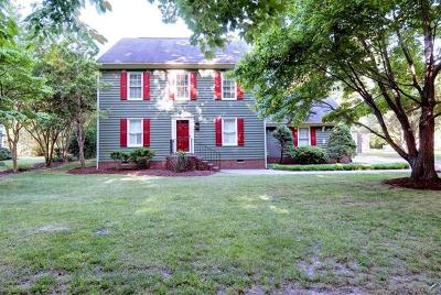 Walnut Hills Single Family Home For Sale: 505 Mill Neck Road