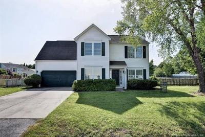 The Pointe At Jamestown Single Family Home For Sale: 2681 Sir Thomas Way
