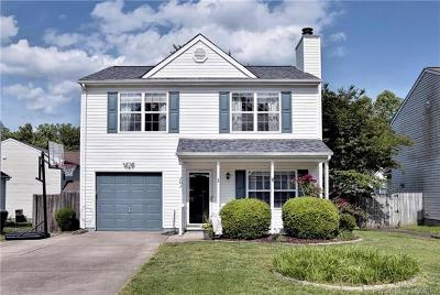 Single Family Home For Sale: 203 Bruton Drive