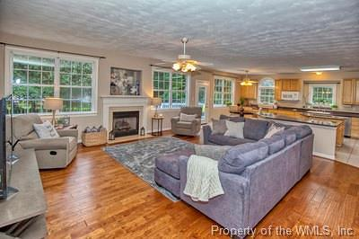 Powhatan Secondary Single Family Home For Sale: 123 Sir John Randolph Terrace