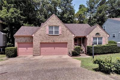 Single Family Home For Sale: 116 Lake Pointe Drive