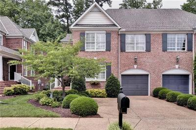 Hampton County, Isle Of Wight County, James City County, New Kent County, Suffolk County, Surry County, Williamsburg County, York County Condo/Townhouse For Sale: 160 Exmoor Court