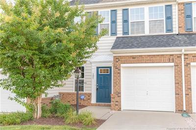 Condo/Townhouse For Sale: 107 Hale Circle