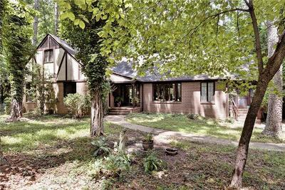Charles City County, Isle Of Wight County, James City County, Surry County, York County Single Family Home For Sale: 140 Macaulay Road
