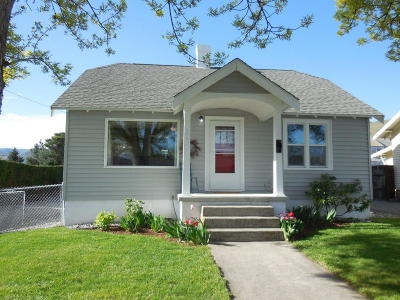Single Family Home Sold: 1121 Castlerock Avenue