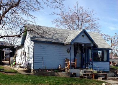 Single Family Home For Sale: 1754 Marker Ave