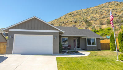 Wenatchee, Malaga Single Family Home For Sale: 565 Saddle Rock Loop