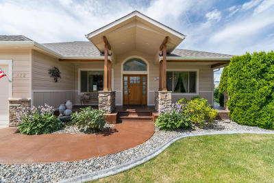 East Wenatchee Single Family Home For Sale: 822 Briarwood Drive