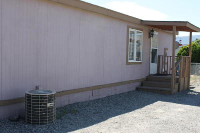 East Wenatchee Manufactured Home For Sale: 1724 S Kent Plaza