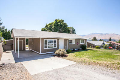 East Wenatchee Single Family Home For Sale: 208 NW Goldcrest St