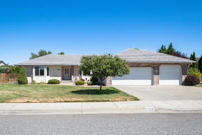 East Wenatchee, Rock Island, Orondo Single Family Home For Sale: 2308 Fancher Heights Blvd